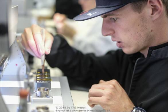 Max Verstappen bei TAG Heuer in der Manufaktur in La Chaux-de-Fonds