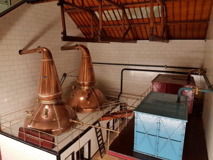 Model van de distilleerketels bij Glenkinchie distilleerderij.