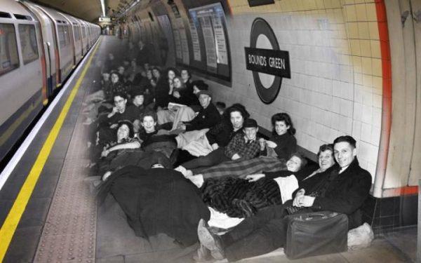 16 octobre 1940 à la station de métro de Bounds Green