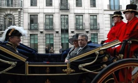 <!--:sq-->Ambasadat tona prezente në ceremoninë e martesës mbretërore<!--:-->