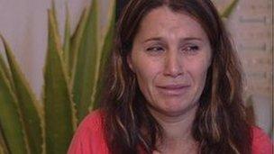 Një shqiptare lidhet nga hajnat gjatë plaçkitjes