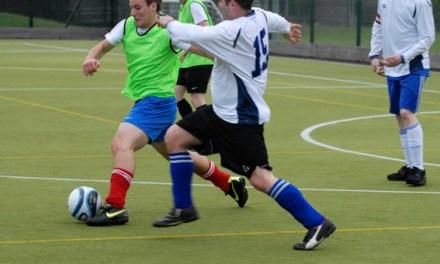 <!--:sq-->Turnir humanitar në futboll të vogël në Londër me 28 prill 2013<!--:-->