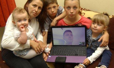 <!--:en-->Albanian father demands to be reunited with his four children in the UK after his visa application was rejected<!--:--><!--:sq-->Shqiptarit nuk i lejohet ri-bashkimi me katër fëmijët e tij në Britani, pasi që aplikimi për vizë iu refuzua<!--:-->