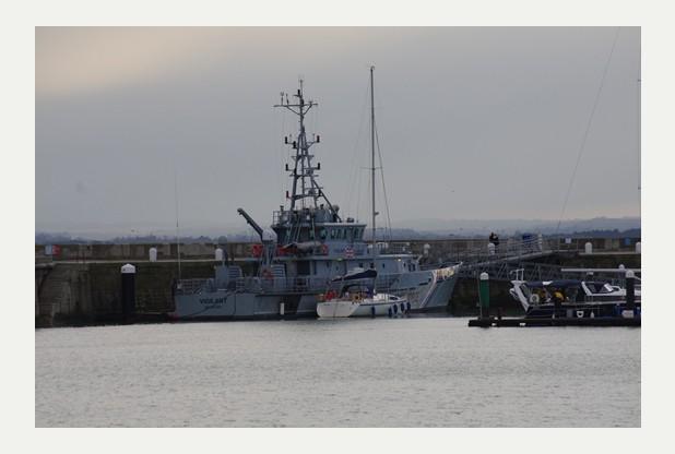 U arrestuan tre britanikë pasi që 11 shqiptarë u gjetën në një anije afër Ramsgate-it