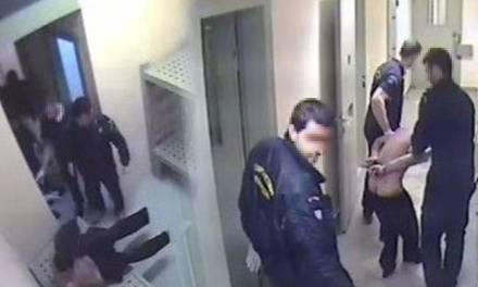 <!--:sq-->Peticion onlajn dhe protestë para ambasadës greke në Tiranë në lidhje me vrasjen e Ilia Karelit<!--:-->
