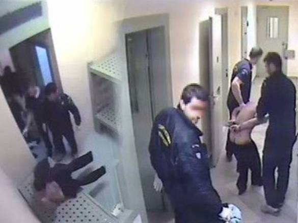 Imazh nga video kamera e burgut ku shihet Ilia Kareli i torturuar