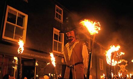<!--:sq-->Sonte në Britani po festohet Nata e Zjarrit të Madh, apo Nata e Guy Fawkes-it<!--:-->
