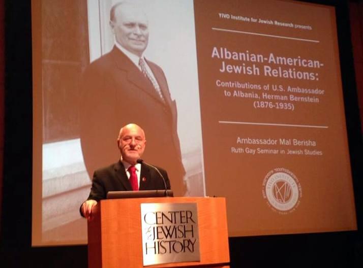 <!--:sq-->Mal Berisha mbajti një prezantim në YIVO Institute of Jewish Research në New York City<!--:-->