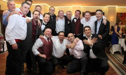 <!--:sq-->Basketistat nga Londra gëzuan për festa rreth 100 familje, anembanë Tokave Shqiptare<!--:-->