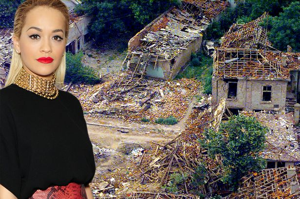 <!--:en-->Mirror: Rita Ora, now the new The Voice darling, had to flee the Serbian persecution<!--:-->