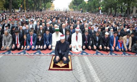 <!--:en-->News Week: Albania, the perfect example of religious tolerance in Europe<!--:-->