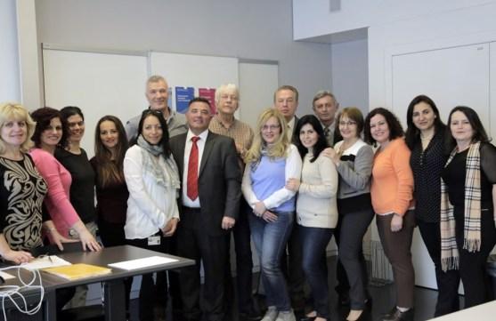 Grupi i mësimdhënësve nga Londra me profesor Basil Schadrin në SHLP të Cyrihut