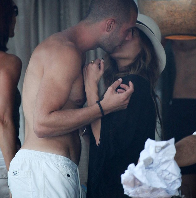 Daily Mail: Scherzinger, smooches Albanian footballer Kasami in Greece, as ex Hamilton pays tribute to her on her birthday