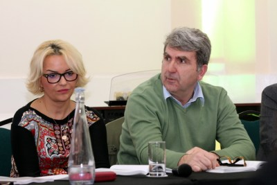Vera Ora dhe Daut Dauti ne mbremjen lamtumirese te Mal Berishes