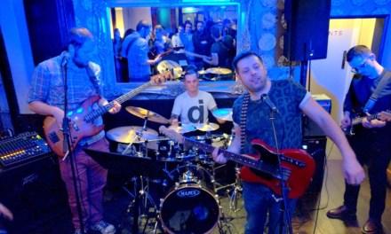 Bendi The Bloody Foreigners mbajtën mbrëmë koncert bamirës në pabin Queens Arms të Londrës (Video)