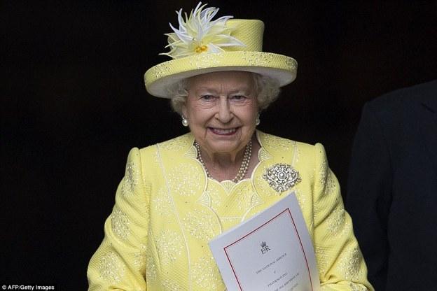 Nisin festimet për ditëlindjen e 90-të të mbretëreshës