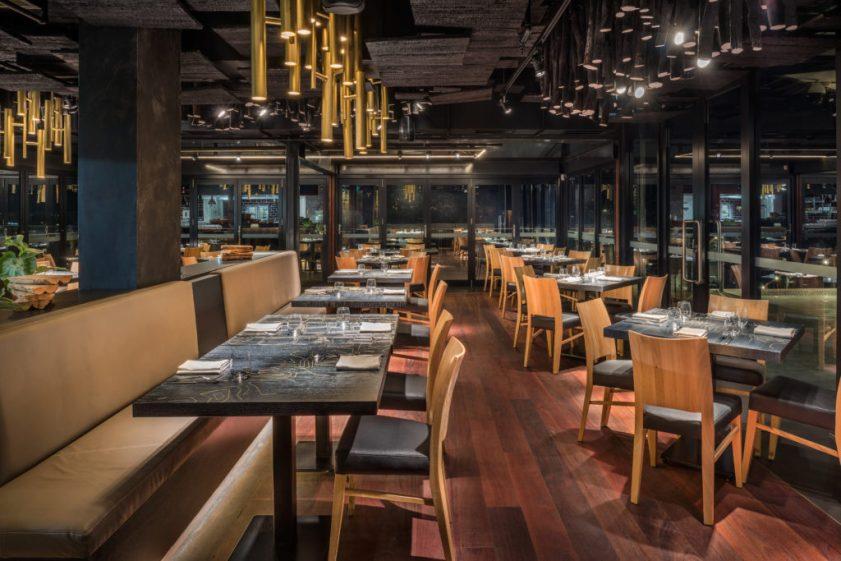 Ku De Ta Perth, Australi. Ky dizajn i 4M Group është vazhdimësi i dizajnit të ngjashëm në Bali, që prezanton kulturën dhe peisazhin fantastik të Australisë Perëndimore