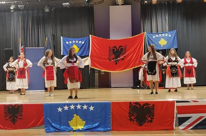 Festohet përvjetori i 12të i Pavarësisë së Kosovës nga shqiptarët në Londër