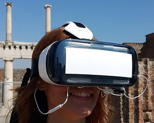 Private Pompeii Tour with 3D Virtual Reality Headset - Tour Assistant Only