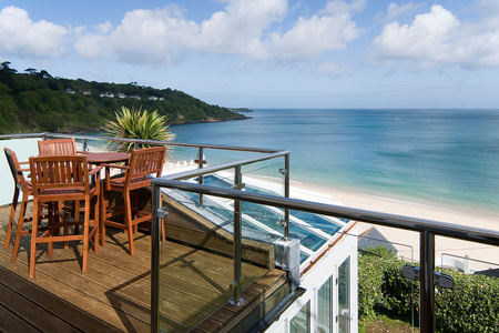 Cottages near the beach with Blue Chip Holidays