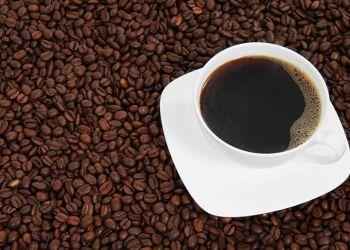 علماء... الاكثار من القهوة يعالج السرطان