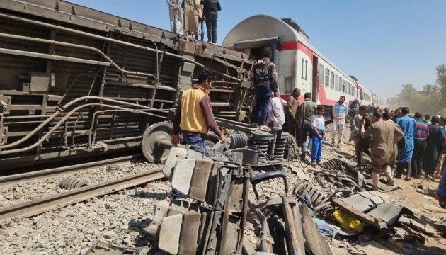 اعتقال ثمانية من عمال السكك الحديدية في مصر بعد ماساة تصادم القطارين
