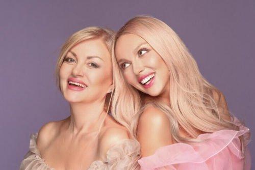 اوليا بولياكوفا تعرض صورة لها مع ابنتها ماشا