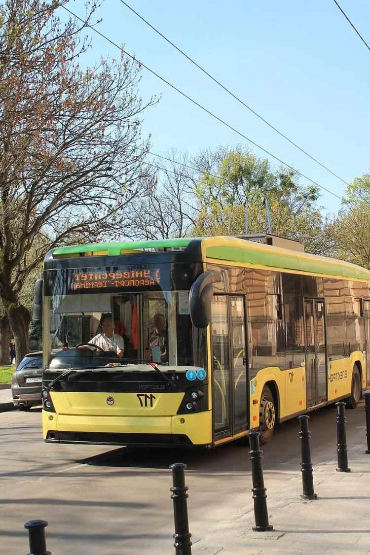 سومي توفر وسائل النقل العام مجانا لاطفال المدارس