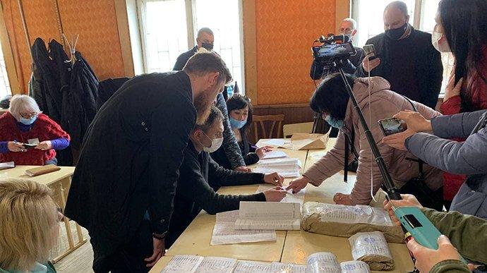 الانتخابات تسري في 78 دائرة و بطلان الأصوات في الدائرة الرابعة