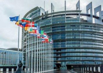البرلمان الأوروبي يقترح وضع خطة عمل لعضوية أوكرانيا في الاتحاد الأوروبي