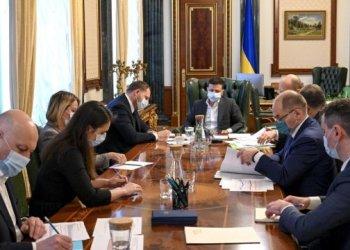 الرئيس زيلينسكي يحث الأوكرانيين على الاحتفال بعيد الفصح بحكمة