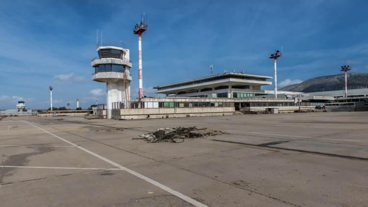 اليونان توسع القيود المفروضة على الرحلات الجوية الدولية
