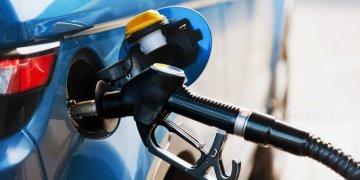 تخفيض أسعار البنزين خلا الاسبوع الماضي في جميع محطات الوقود
