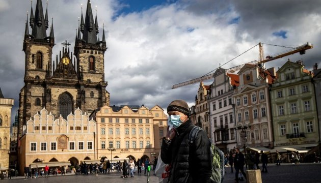 جمهورية التشيك ترفع حظر التجول وتخفف اجراءات الحجر
