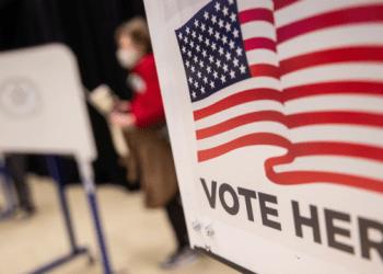 في الولايات المتحدة كل ثلاثة من أصل عشرة أشخاص يشكون بشرعية انتخاب بايدن