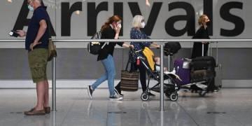 تدرس بريطانيا تخفيف قيود السفر