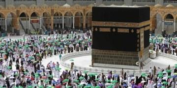 الكويت والبحرين يهنئان الملك سلمان على نجاح موسم الحج 2021
