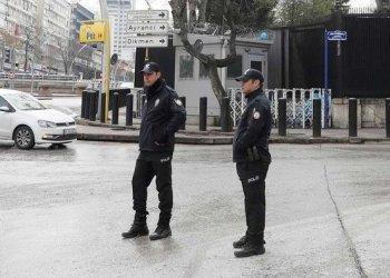 رجل اعمال تركي يتسبب بازمة بين بلدة واميركا