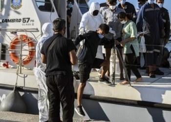 غرق قارب مهاجرين قبالة تركيا وعلى متنه 45 شخصًا