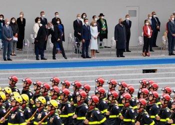 فرنسا تكرم القوات الأوروبية المناهضة للجهاد في يوم الباستيل