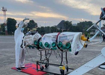 نقل مواطن سعودي مصاب بفيروس كوفيد -19من إندونيسيا إلى الرياض