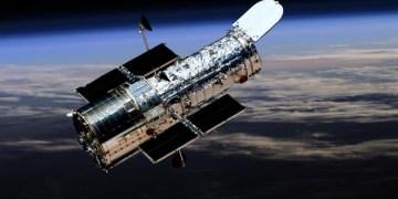 هابل يظهر عنقود نجمي لامع في كوكبة العقرب