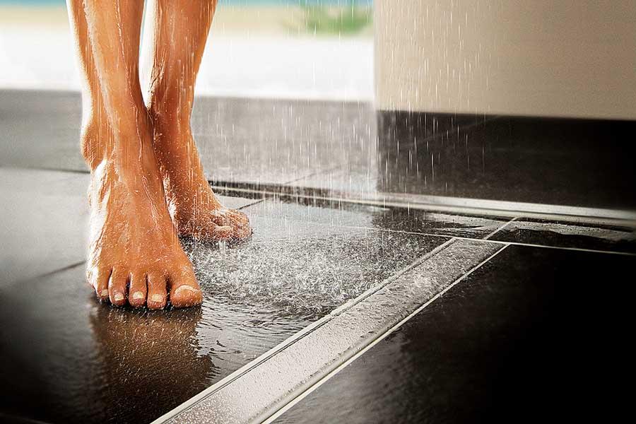 safe bathrooms have non slip floor tiles