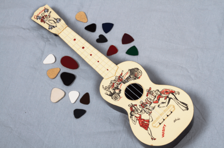 ukulele with picks