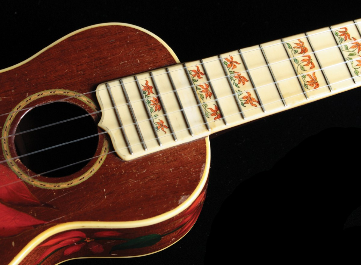 Gibson Poinsetta Great ukes_detail1