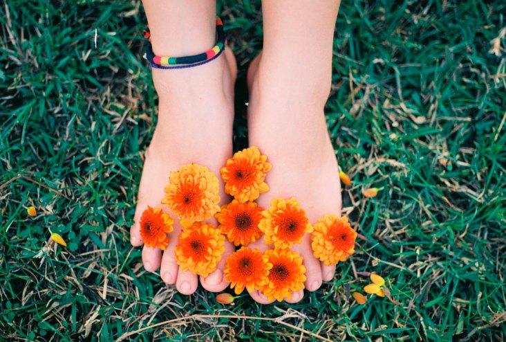 Con la llegada de la primavera, revisa tus pies en el podólogo de Clínica Ulcemed