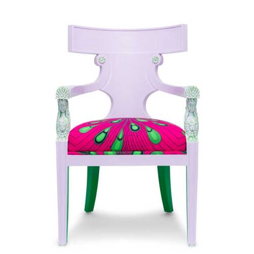 Pink Goddess chair by Ulloo42 front view