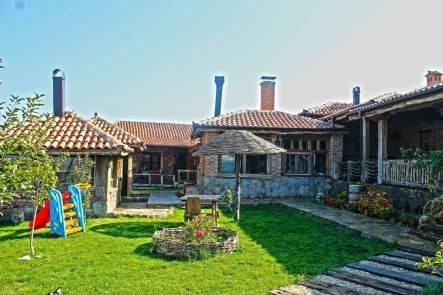 etno-kuca-u-staro-srpskom-stilu-gracanica-kosovo-i-metohija