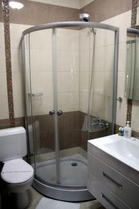 bathroom-ulpiana-hotel-gracanica