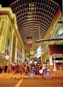 Das Denver Performing Arts Center ist einer der größten Erlebnisorte für Kultur in den USA. (C) Steve Crecelius/ VISITDENVER
